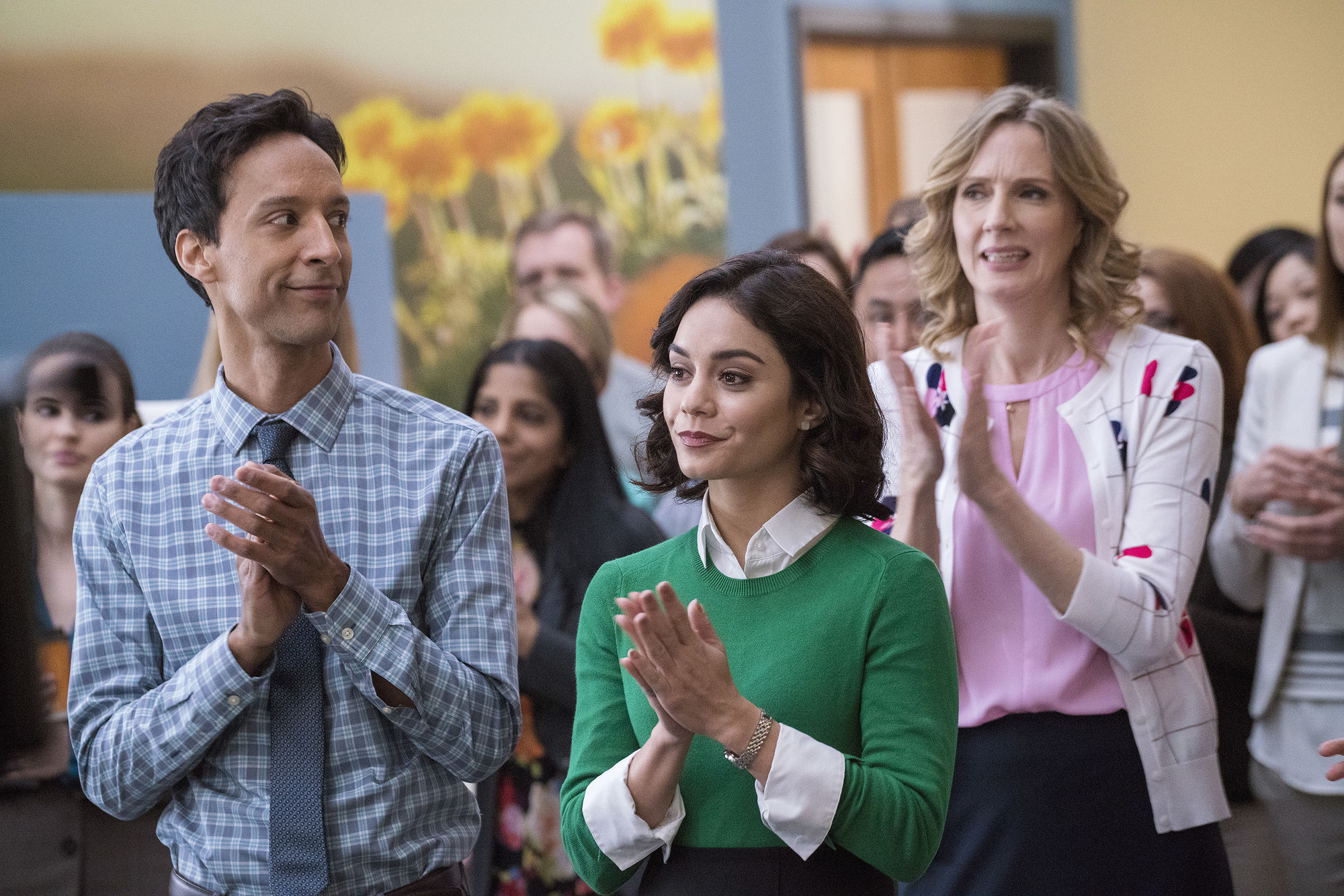 Powerless, clamoroso: NBC interrompe la prima stagione?