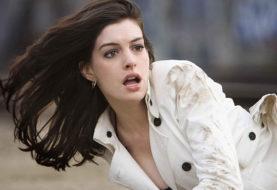 Colossal, in rete la clip ufficiale con Anne Hathaway