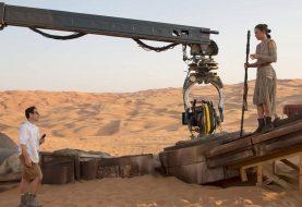 Star Wars: Episodio IX ha uno script, le riprese inizieranno a luglio