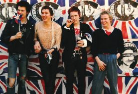 Sex Pistols, Johnny Rotten contrario al biopic sulla band