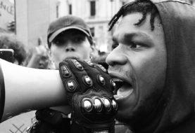 John Boyega, l'attore nella protesta Black Lives Matter